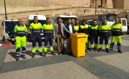 13 vehículos y 85 operarios se dedicarán a mantener limpia la ciudad durante Semana Santa